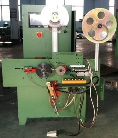Automātiskā spirāles brūču blīves vīšanas mašīna